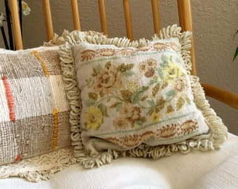 Dainty 1950s Vintage Floral Square Throw Pillow