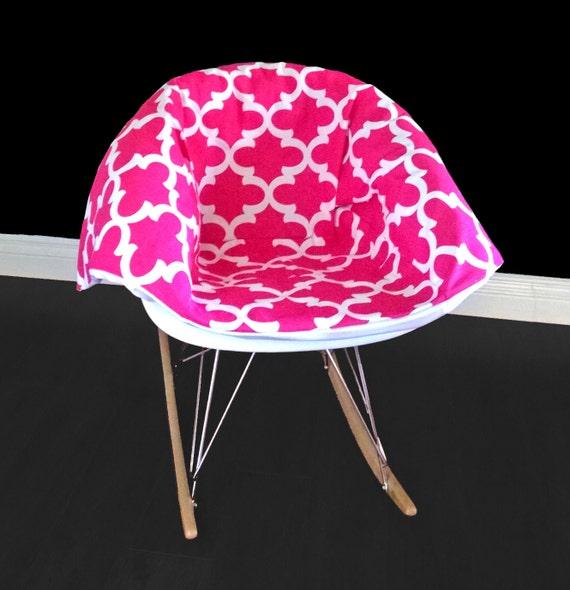 Coussin de fauteuil bascule eames rose bonbon for Fauteuil eames rose