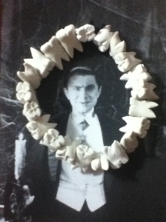 Human Teeth Bracelet - unpainted, horror, macabre, death glam, oddities,