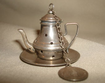 Antique 900 Silver Figural Gooseneck TEAPOT TEABALL Tea Ball Strainer Infuser with Underplate