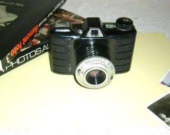 "1950s ""Tricomat"" Camera"