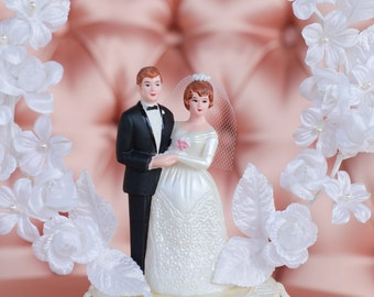Cake Topper - Vintage Wedding Decor - Bride and Groom with Ring of White Flowers New Old Stock With Original Box