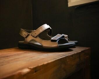 6.5 ecco Metallic Gold / Bronze & Black Leather Sandals NWOT Women's 6.5 / 6 1/2 - 7 Euro 37 Narrow ECCO