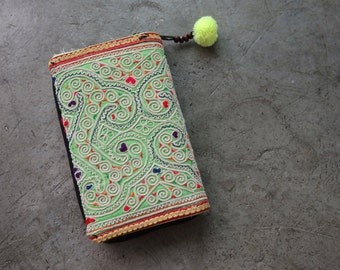 Vintage Embroidered Hmong Northern Thai Hill Tribe Purse Wallet