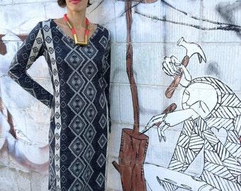 SALE - Plus Size  Dress, Jersey Dress, Gray Geometric Dress, V Neck Dress, Winter Dress, Long Sleeve Dress, Day Dress, designers dress