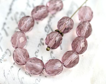 8mm Czech round beads, light Amethyst Purple, fire polished, faceted ball beads - 15Pc - 2715