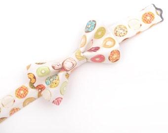 White Donut bow tie, donut bow tie, doughnut bow tie, men's donut bow tie, boy's donut bow tie, toddler donut bow tie, pastry bow tie, donut