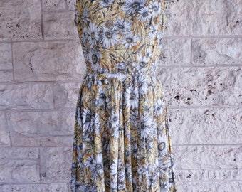 50's Dress Mid Century Sunflower Dress Medium Small Full Skirt Dress Size 6 Party Dress Floral Spring Dress High Neckline