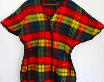 Pancho Vintage 70s Plaid Housecoat Women Handmade Fleece Red Green Yellow