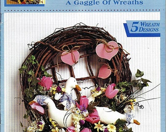 A Gaggle of Wreaths McCall's Creates Craft Pattern Book 14121