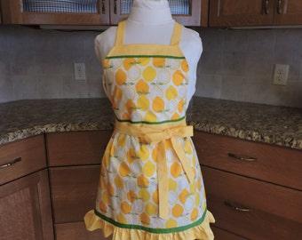 Full apron lemon print ruffled trim