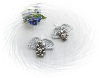 Pearl Earrings - Cluster Grey Pearl  Earrings - Dangle Earrings - Grape Earrings - Crochet Beaded Earrings -Leaves Earrings