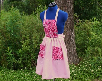 Pretty Pink Flowered Apron with Pockets