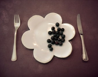 Ceramic Service Plate Snow White Flower Dessert Plate Pottery Dinner Plate