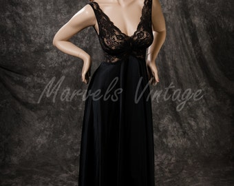 "Vintage Olga Nightgown Lingerie Black Lace Twist Size Small Style #9292 Mega 200"" Sweep"
