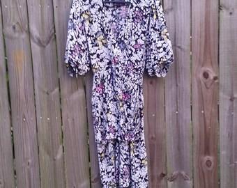Vintage XS S Extra Small 80s April Rain Dark Floral Print Low-cut Sexy Peplum Hipster Indie Alternative Grunge Tea Dress