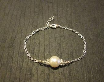 Swarovski Pearl Bridesmaid Bracelet/Pearl Bracelet /Bridesmaid Jewelry/Pearl Bracelet/Pearl Bridal Jewelry/Pearl Bridesmaid Bracelet