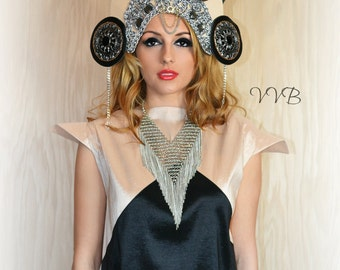 Avant Garde Unique Mod Spiked Halo Metropolis Crown Dramatic headpiece headdress jeweled hat Crown