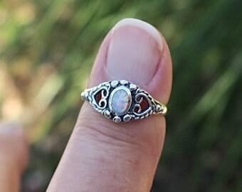 Pretty 925 Sterling Silver Lab Opal Ring