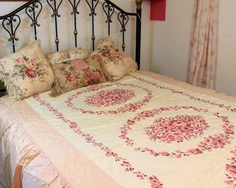 Vintage Bedspread, 1960's Blanket, Twin-Full Size, Shabby Throw, Comforter, Floral Roses, Satin Like, Quilted,