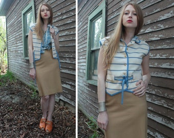 ITALY Knit Sweater VEST Vintage International Imports wool weaved Button Up Vested shirt top Women Size 12 Cream & Blue Sky striped jacket M