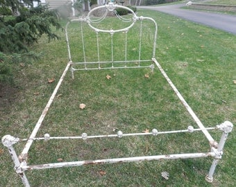 Shabby Chic 1900's VICTORIAN chippy white Antique 1900's Iron bed