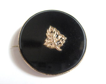 GEORGIAN Antique 9k Gold Black Glass Taille d'Epergne Enamel Leaf Funeral Mourning Remembrance Brooch Pin Victorian Gothic 18th 19th Century