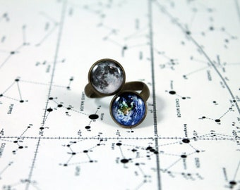 The Earth and Moon Wrap Ring