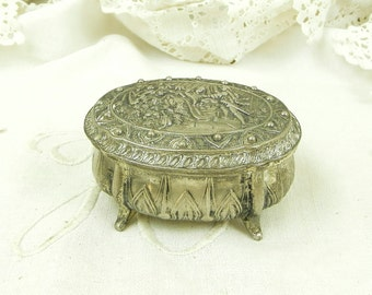 Vintage French Metal Trinket Box Depicting a Romantic Scene / French Country Decor / Retro Home Interior / Brocante / Love / Shabby Chic