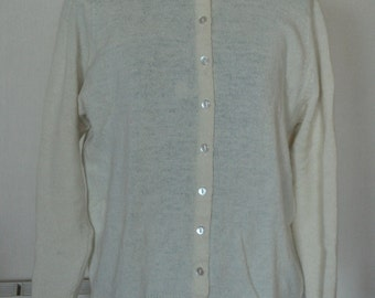 Vintage 1960's Heather Valley Cream Hand Framed 100% Wool Cardigan with Collar-Made in Scotland