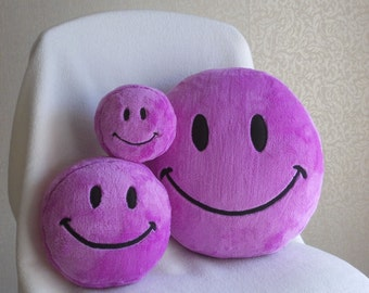 Childrens toy, small toy, plush toy, purple plushies, smiley face, smile, smiley, happy face,  emoticon, PURPLE plush