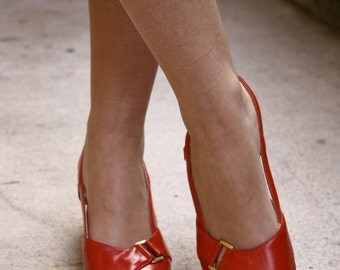 1950's style red leather heeled sandals - UNUSED