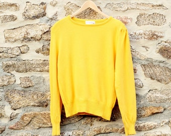 Vintage Cashmere Sweater, 100% Cashmere 1980s Sweater, Preppy sweater Preppy clothing, Womens size small medium mustard yellow gold cashmere