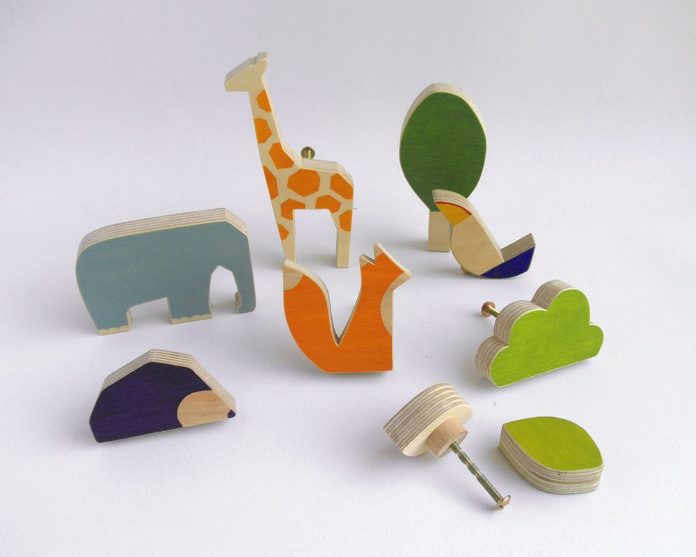 Knobs for children 39 s drawers wooden by thewanderingworkshop for Children s bureau knobs