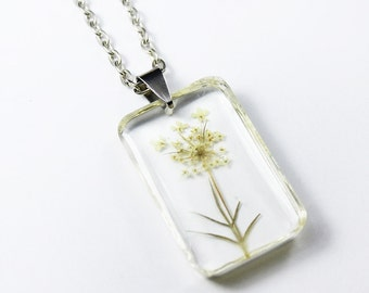Anne's Queen Pressed Flower Necklace - Rectangular Real Flower Resin pendant - Resin Necklace Pendant - Botanical Jewelry - Dried flower