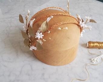 Bridal halo headpiece, Bridal wreath, Floral tiara, Boho bridal headpiece, Hair garland, Floral headband, Wedding hair vine