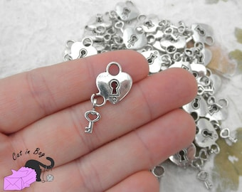 10 pendants with heart lock and key - antique silver tone - SP20