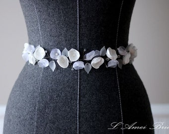 Hand made Small Ivory Fabric Flowers Bridal Belt Wedding Sash, Flower wedding sash belt, White flower bridal sash belt