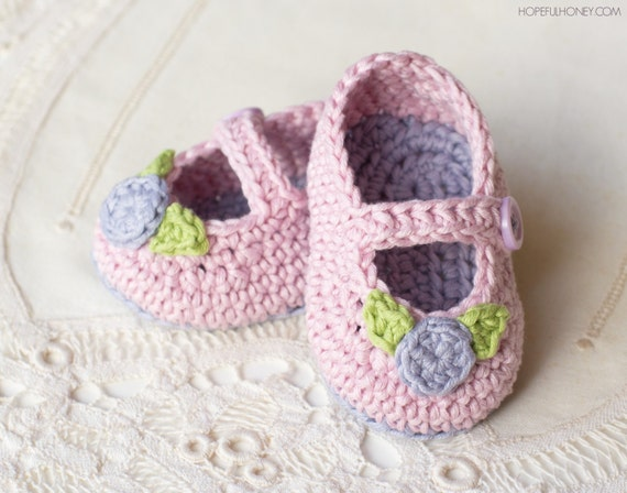 Free Crochet Patterns For Baby Booties Mary Janes : CROCHET PATTERN Mary Jane Rosebud Baby Booties