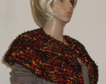 Knitted of thick collar in Brown Velcro with orange, ochre and yellow