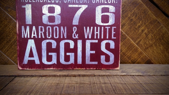 Texas A&M Aggies Distressed Wood Sign--Great Father's Day Gift!