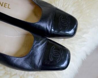 HOLIDAY SALE! Authentic Chanel Pumps Size 37 / Size 7 Black Leather Patent Toe 1990 Vintage, Classic Stitched CC Logo Toe