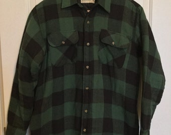 Vintage Wilderness Green Buffalo Plaid Quilted Shirt Jacket Sz M Mens Outdoor