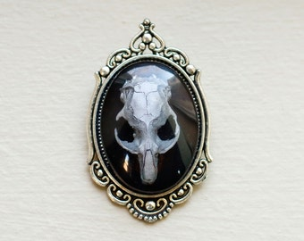 Gothic brooch with real rat skull painted silver - epoxy resin
