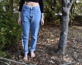 Vintage High Waist Blue jeans --> size 6-8