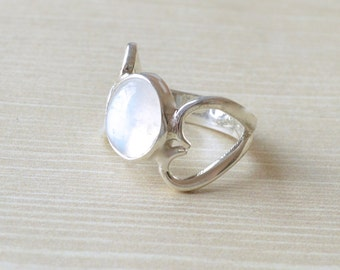 Hearts Moonstone Ring