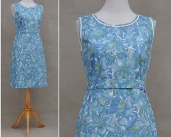 Vintage dress, 1950s / 1960s blue floral printed design, Rockabilly summer sun dress, handcrafted 50s / 60s day dress,pencil line silhouette