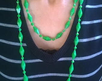 Groovy Long Vintage Grass Green Faceted Beaded Necklace 1960s 1970s