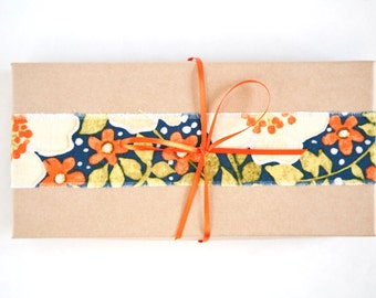 Gift for mom, Eye pillow, Flax Eye Pillow in the Gift Box, Floral Eye pillow, Yoga Gift, Gift for her, Meditation - Relaxation