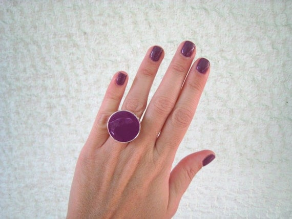 Purple ring, resin ring, round ring, amethyst solitaire ring, big chunky ring, color block jewelry, modern minimalist violet glass ring